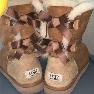 Ugg Boots- Brown Bailey Bow Size 10